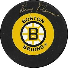 Fernie Flaman (died 2012) Boston Bruins Autographed signed old puck w/COA