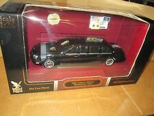 1/24 Scale Cadillac DeVille Model  2001 Presidential Limo - Road Signature 24018