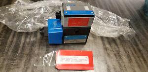 NEW Vickers 02-119474 PA3DG4S4LW-012A-B-60 Pilot Valve 110/120V Coil.  shelf f5