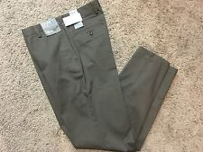NWT DOCKERS D2 Straight Fit Easy Khaki Pants Flat Front Brown 33X30 MSRP $50