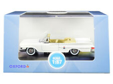 1961 Chrysler 300 Convertible Alaskan White 1/87 (HO) Scale Diecast Model Car by