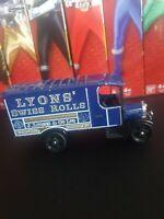 Corgi Classics C821 Thorneycroft Van Lyons Swiss Rolls