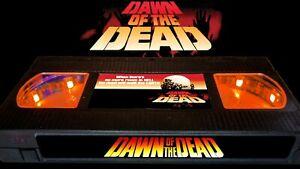 Dawn of the Dead (1978) - Retro VHS Lamp +Remote Control - Zombie Horror Movie