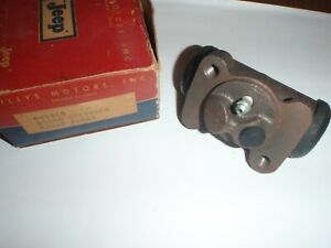 NOS Original RIGHT FRONT Brake Wheel Cylinder 1948-1950 Willys Jeepster 48 49 50