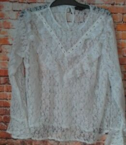 new look  curves white lace top long sleeve size 20 armpit to armpit 23.5 inches