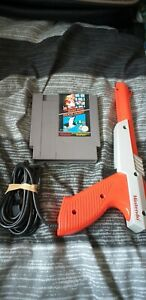 Nintendo NES Duck Hunt & Super Mario bros Game with zapper Gun TESTED AND WORKIN