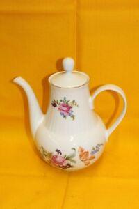 Kaffee~ oder Teekanne Henneberg Porzellan Ilmenau mit Goldrand