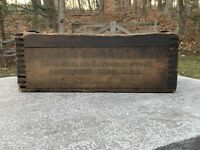 ANTIQUE PRIMITIVE WOOD TOTE CARRIER CADDY REMINGTON ARMS DOVETAILED CRATE AAFA