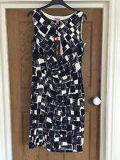 NEW PHASE EIGHT NAVY WHITE PATTERNED SLEEVELESS KNEE LENGTH FITTED DRESS UK 12