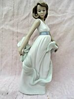 """VINTAGE NAO """" WALKING ON AIR """" FIGURINE ITEM No 1343 PRISTINE CONDITION 11"""" TALL"""