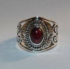 Gorgeous Solid Sterling Silver & Garnet Ring.