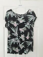 Select floral print top size 10