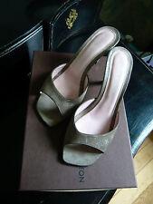 LOUIS VUITTON Escarpins sandales mules T 38.5