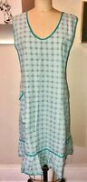 VTG 50'S*AQUA BLUE WHITE CHECK FLORAL PINAFORE POCKET APRON COOK BAKING GARDEN*M