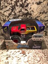 Muscle Machines Monster Truck Die Cast 1/43 Scale Carolina Crusher Chevy