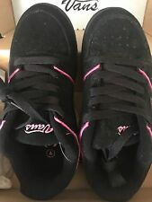 VANS Marianna BLACK & PINK SUEDE LEATHER Shoe Sneaker KIDS CHILDRENS Size 4 NEW!