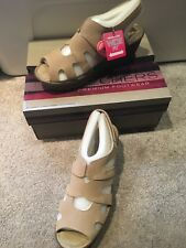 Skechers Suede Peep-toe Slingback Wedges Stylin' Taupe 8.5 W NEW A304458
