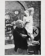 PABLO PICASSO Peintre MOUGINS Notre-Dame-de-Vie Sculpture OTERO Photo 1960s #1