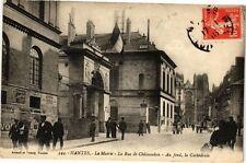 CPA  Nantes - La Mairie -La Rue de Cháteaudun -Au fond,la Cathédrale  (222838)