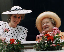 Diana, Princess of Wales & The Queen Mother UNSIGNED photo - M4112 - NEW IMAGE