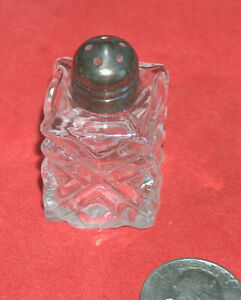 "(1) One 1 3/4"" Unmarked Mini Square Crystal, Antique Brass Salt & Pepper Shaker"