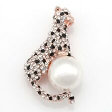 Rose Gold Plated Crystal Diamante Imitation Pearl Leopard Pin Brooch