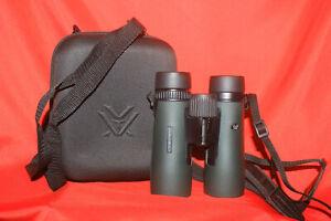 Vortex Diamondback 10x42 Binoculars And Carrying Case