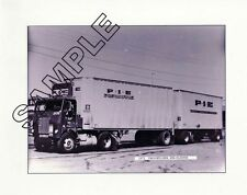 P.I.E. PACIFIC INTERMOUNTAIN EXPRESS 1972 WHITE-FREIGHTLINER 8x10 GLOSSY PHOTO