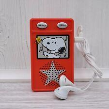 2006 Macys Peanuts Snoopy Travel FM Scanner Radio Headphones