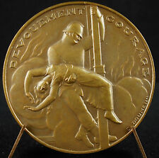 Médaille Héros Le soldat du feu pompier firefighter courage E Doumenc 1970 Medal