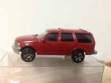 Walthers HO Ford Expedition customized