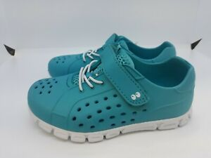 NEW Surprize by Stride Rite Toddler Girls' Delia Sneakers - Turquoise Size 8