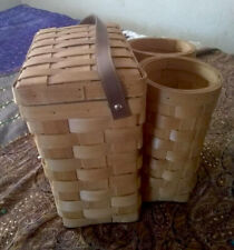 New listing Vintage wicker picnic basket with 2 wine bottle holders