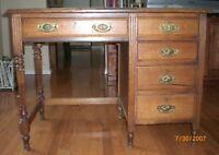 Antique Pre 1870 Desk with Quarter Sawn Oak & Hand Cut Dovetails