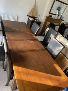 Dining Table solid oak extendable used twice with 6 chairs or 4 more sold sep
