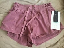 Lululemon Hotty Hot Short Quicksand Size 4 NWT
