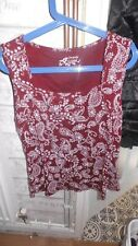 Ladies red & white sleeveless square neck size 20 top