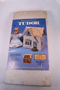 Dollhouse Miniature Duracraft Mansions Tudor Dollhouse Kit