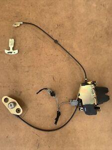 2002-2006 Volvo S80 S60 Trunk Lock Latch Actuator w/ Emergency Handle 30634562