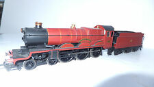 "Hornby ""Harry Potter"" steam loco , 5972 Hogwarts Castle, and 4 coaches/ 00 gauge"
