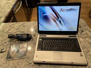 TOSHIBA A105 LAPTOP SATELLITE WINDOWS XP, 120GB, 1GB RAM, Battery, Charger