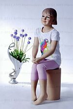 Child mannequin, dessform, amt-mannequins, sitting girl manequin-Ray+1Pedestal