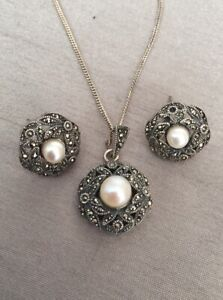 Vintage Italian 925 Silver Marcasite Pearl Pendant Necklace & Earrings Set