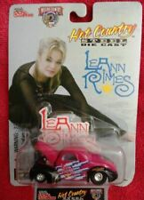 RACING CHAMPIONS NASCAR HOT COUNTRY SIGNATURE SERIES #14 LEANN RIMES 1998