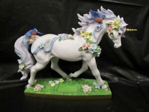 """2015 Horse Of A Different Color  """" Unicorn Stallion Figurine """" Horse  Detailed"""