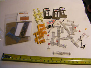 Large Lot N Scale Street signs-Gas signs-Barricades-Metal Fencing Look File 4995
