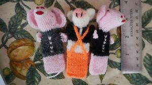 THREE LITTLE PIGS KNITTED FINGER PUPPETS