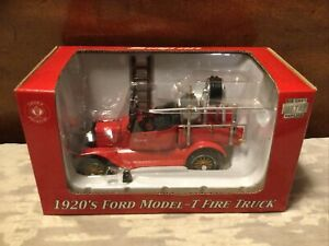 """NIB CROWN PREMIUMS """"SNAP-ON"""" 1920'S DIECAST 1:32 SCALE FORD MODEL-T FIRE TRUCK"""