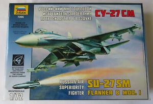 Zvezda 1/72 Su-27SM Flanker B Mod 1 Model Kit 7295