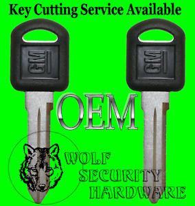 Lot of Two (2) GM Logo OEM Uncut Key Blank Small Black Plastic Head 596222